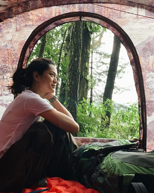 Prisia Nasution Mendaki Gunung